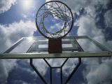 Low Angle View of a Basketball Net Premium fotografisk trykk