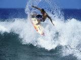 Surfer Riding a Wave Trykk på strukket lerret