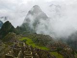 Ancient Ruins of Machu Picchu, Andes Mountain, Peru Reproduction photographique par Keren Su
