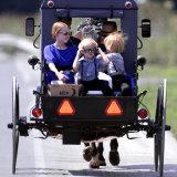 Amish Children Sport Fashion Sunglasses Lámina fotográfica