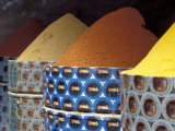 Spices in the Market, Morocco Fotografie-Druck von John & Lisa Merrill