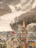 Mont Tremblant Ski Village in The Laurentians, Quebec, Canada Stampa fotografica di Walter Bibikow