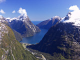 Mitre Peak, Milford Sound, Fiordland National Park, South Island, New Zealand Reproduction photographique par David Wall