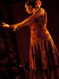 Woman in Flamenco Dress at Feria de Abril, Sevilla, Spain Reproduction photographique par John & Lisa Merrill