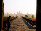 Angkor Wat at Dawn, Siem Reap, Cambodia Reproduction photographique par Christopher Groenhout