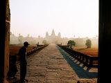 Angkor Wat at Dawn, Siem Reap, Cambodia Fotografisk trykk av Christopher Groenhout