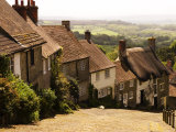 Houses on Gold Hill, Shaftesbury, United Kingdom Lámina fotográfica por Glenn Beanland