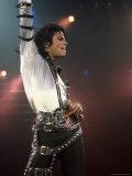 Singer Michael Jackson Performing Premium-Fotodruck von David Mcgough