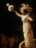 "Actress Pearl Bailey Pointing Parasol as Dolly Levi in Scene from Broadway Musical ""Hello Dolly"" Premium fotoprint van John Dominis"