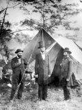 Maj. Allan Pinkerton, US President Abraham Lincoln and Gen. John McClernand, during the Civil War Premium fototryk af Alexander Gardner