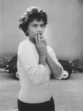 Actress Sophia Loren Displaying a Wide Range of Emotions Reproduction photographique Premium par Loomis Dean