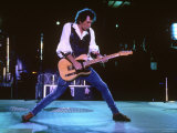Keith Richards During a Performance by the Rolling Stones Lámina fotográfica prémium