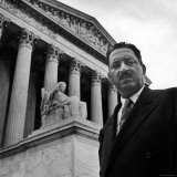 NAACP Chief Counsel Thurgood Marshall Standing on Steps of the Supreme Court Building Lámina fotográfica prémium por Hank Walker