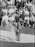 Golf Player Arnold Palmer, Blowing His Lead on the 18th Hole in the Master's Golf Tournament プレミアム写真プリント : ジョージ・シルク
