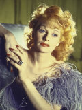 Portrait of Actress Lucille Ball Wearing Blue/Lavender Gown with Feathers Premium fotografisk trykk av Walter Sanders