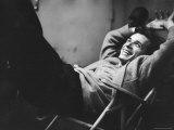 Brilliant Young Canadian Pianist Glenn Gould Laughing at a Columbia Recording Studio Premium-Fotodruck von Gordon Parks