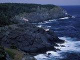 Surf Crashes on the Cliffs, Maine, USA Impressão fotográfica por Jerry & Marcy Monkman