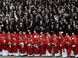 Cardinals, in Red, Participate in the Funeral Mass for Pope John Paul II Fotografisk tryk