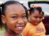 Portrait of Two Young Girls, Tupelo, U.S.A. Fotografisk tryk af Oliver Strewe