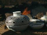 Close View of Pueblo Indian Pottery Fotografisk tryk af Ira Block