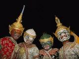 Portrait of Four Dancers in Elaborate Costume Fotografisk tryk af Paul Chesley