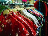 Rack of Shirts at Pearl River Trading Company, Chinatown, New York City, New York, USA Lámina fotográfica por Angus Oborn
