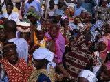 Crowds Gather in Celebration of the Kano Durbar Festival, Kano, Nigeria Fotografisk tryk af Jane Sweeney