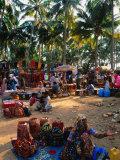 Women Selling Handcrafts at Market, Mapusa, India Fotografisk tryk af Paul Beinssen