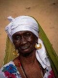 Portrait of Elderly Woman, Jufureh, North Bank, Gambia, The Lámina fotográfica por Ariadne Van Zandbergen