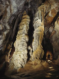Giant Calcite Columns Stretch More Than 50 Feet to the Ceiling of Tower Place in Lechuguilla Cave Fotografie-Druck von Michael Nichols