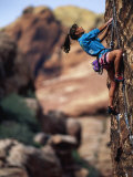 Woman Rock Climbing, CA Fotografisk trykk av Greg Epperson