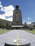 La Mitad del Mundo Monument Quito Ecuador Lámina fotográfica