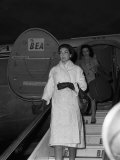 Maria Callas at London Airport, 1959 Fotografie-Druck