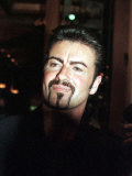 George Michael at a Beverly Hills Restaurant, April 1998 Reproduction photographique
