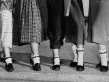 Legs and Feet with Dog Collar Anklets Foto af Roger Higgins