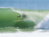 Surfer Shoots the Curl, Cape Hatteras National Seashore, North Carolina Stampa fotografica di Gehman, Raymond