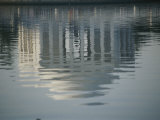 A Serene Reflection of the Jefferson Memorial in the Tidal Basin Fotografisk trykk av Stephen St. John
