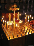 Candles are Lit at the Church of the Resurrection Fotografisk tryk af Richard Nowitz