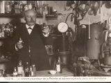 Eugene Turpin French Scientist in His Laboratory Lámina fotográfica