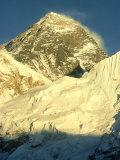 Mt. Everest at Sunset, Nepal Fotografisk tryk af Mary Plage