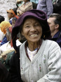 Old Woman, Tibet Lámina fotográfica por Michael Brown