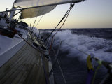 Sailboat in Rough Water, Ticonderoga Race Fotografie-Druck von Michael Brown