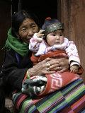 Woman with Child, Tibet Fotografie-Druck von Michael Brown