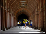 Boys Play Soccer Through an Arched Hallway at the Allahabad University Campus Lámina fotográfica