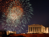 Fireworks Illuminate the Ancient Parthenon on Top of Acropolis Hill Fotografisk tryk