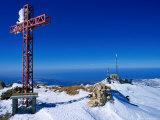 Faraya Mzaar Summit Cross in Kesrouane, Lebanon's Premier Ski Resort, Jabal Lubnan, Lebanon Fotografisk trykk av Mark Daffey