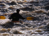 Kayaking on the Roe River, Roe Valley Country Park, Derry, Northern Ireland Lámina fotográfica por Gareth McCormack
