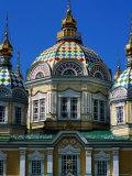 Three Spires of Zenkov Cathedral, Almaty, Kazakhstan Fotografisk tryk af Anthony Plummer