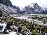 Snowy Mountains in Aruaco Indian Hamlet in the Sierra Nevada De Santa Maria, Nabusimake, Colombia Fotografisk trykk av Krzysztof Dydynski