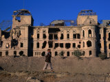 Damaged Darulaman Palace (Kings Palace), Home of King Zahir Shah, Kabul, Afghanistan Fotografie-Druck von Stephane Victor